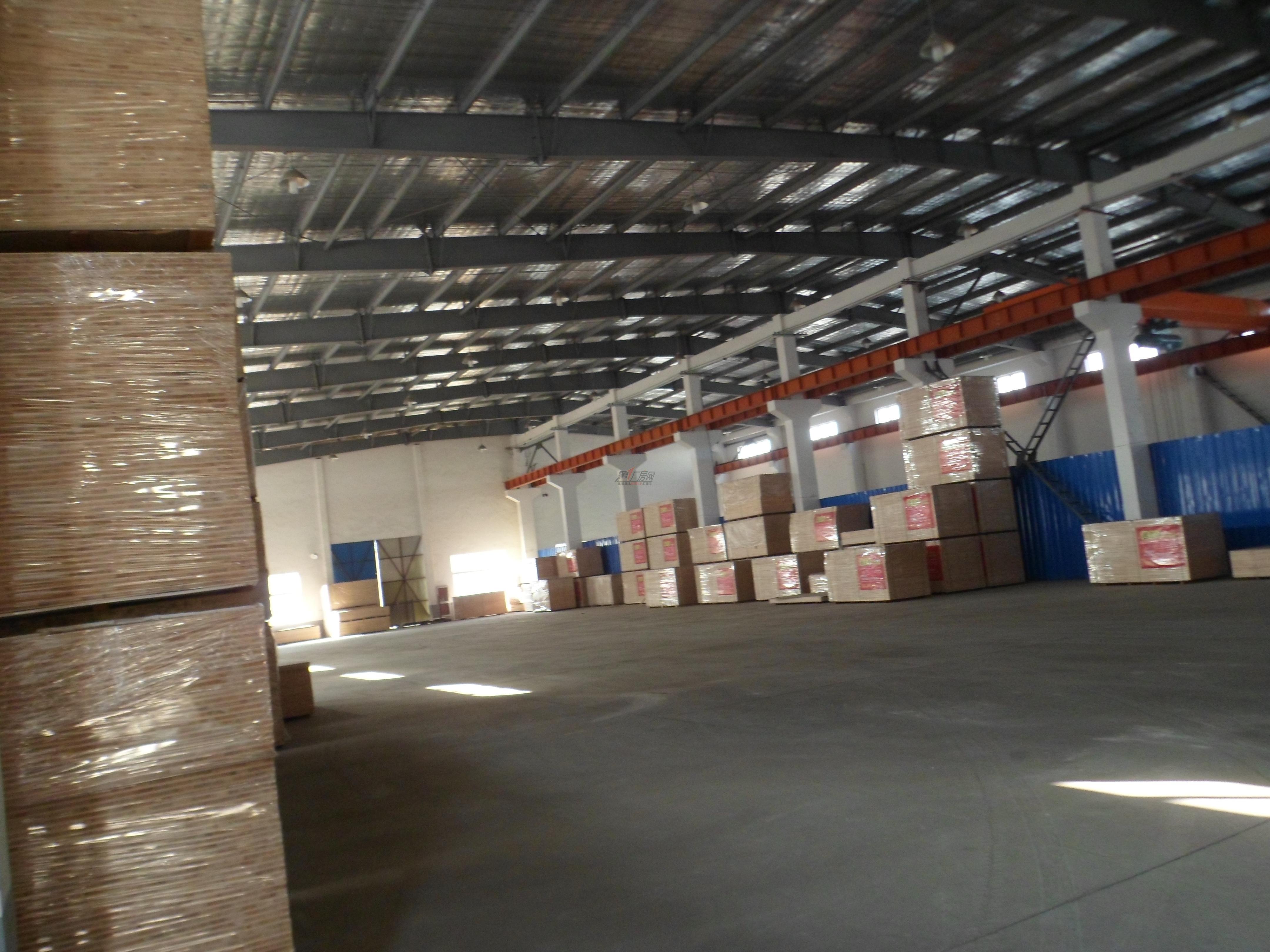 常平单一层钢结构带牛角1800平方厂房出租